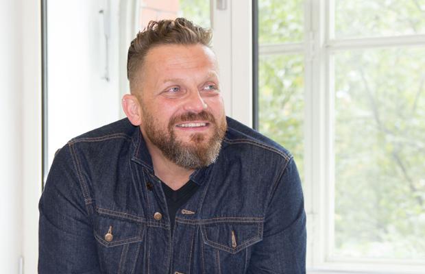 VERLEGT: Andreas Costrau: Erzähl mir was mit deinen Händen