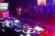 Mellow Weekend: Mit Calvin Villa & Sonix, 2. Floor: MTAS & TMAS