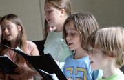 Heiligs Blechle: Jugendchor der Akademie für Tonkunst