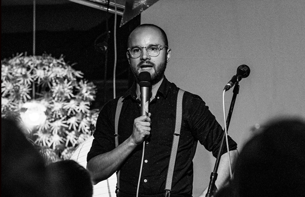 Einfach geile Texte - Die Poetry-Slam-Lounge mit Finn Holitzka
